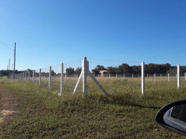 Velleda oferece terreno plano de esquina a 2,5 km do asfalto - Foto 2