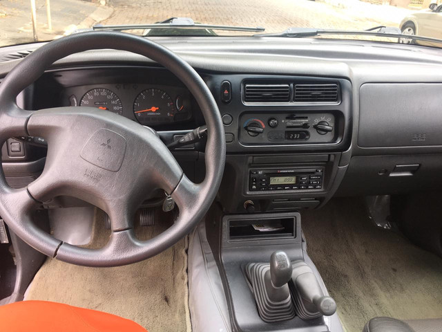 L200 CD Sport Hpe mec. 4x4 diesel - Foto 9