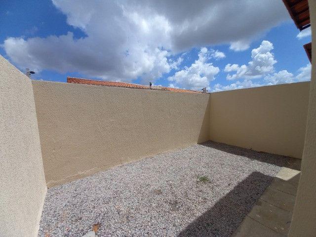 DP casa nova com 2 quartos 2 banheiros com sala 2 ambientes e garagem - Foto 13