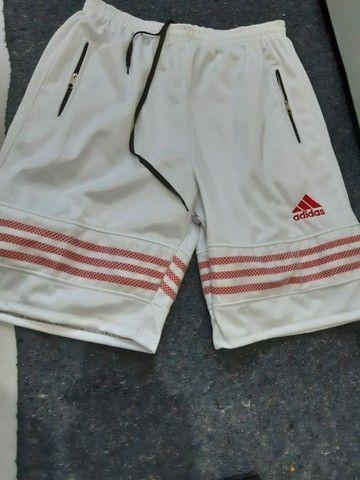 Bermudas Adidas - entrego, passo cartão, pix - Foto 5