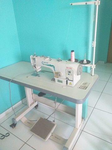 Máquina de costura Reta industrial Direct Drive semi nova.