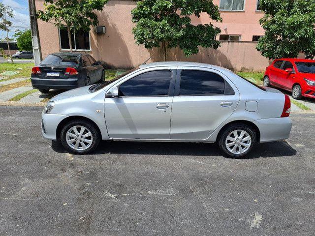 TOYOTA ETIOS Sedan XS 1.5 Automático 2018 - Foto 2