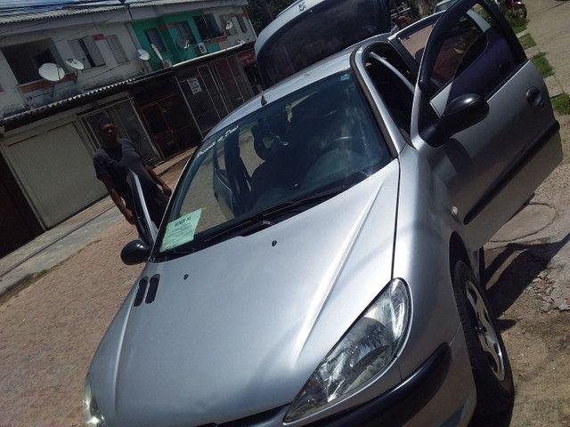 Carro Peugeot carro bom quero 8,500 deve 1,480 assumindo fasso por 7,000 .fone * - Foto 2