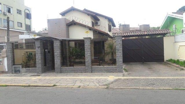 Alugo Sobrado em condomínio, 3D, Centro de Canoas, suíte, closet, churrasqueira - Foto 4