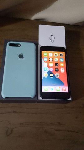 Iphone 8 plus semi novo - Foto 4