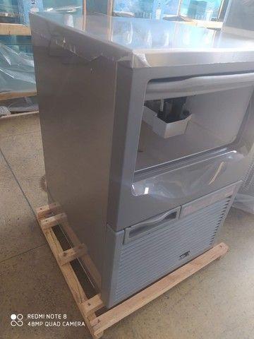 Maquina de Gelo Macom 45Kg - Foto 6