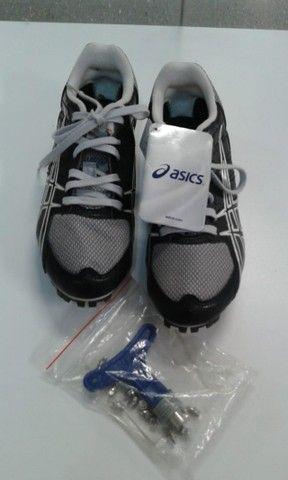 Sapatilha de corrida de atletismo Asics (Infantil) nova - Foto 2