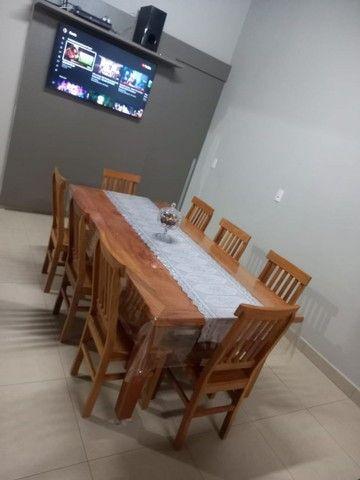 Jogo de mesa com 8 cadeiras.  - Foto 4