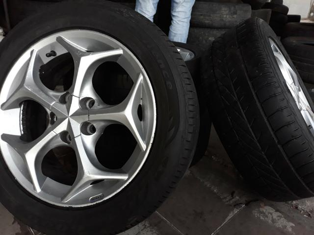 Jogo de rodas com jogo de pneus ARO 15 - Foto 4