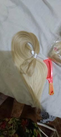 Mega hair louro da Malu