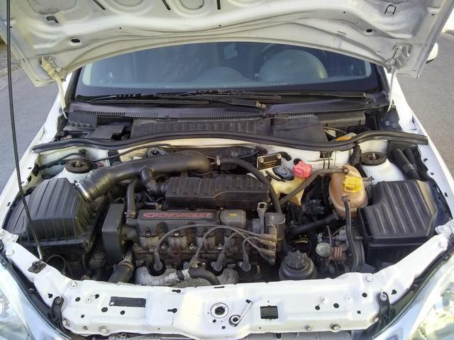 Corsa Premium 1.4 sedan