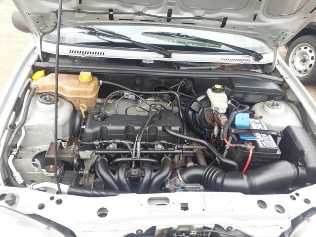 """Fiesta Class 1.0 8v Relíquia """" completo-direção """" super conservado - 2004 - Foto 7"""