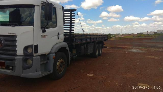 Caminhão 24.250 truck - Foto 5