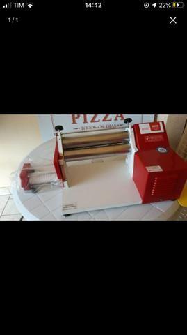 Cilindro elétrico 28cm vermelho malta