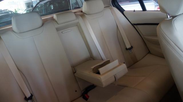 BMW 320i 2.0 SPORT 16V TURBO ACTIVE FLEX 4P AUTOMÁTICO - Foto 11