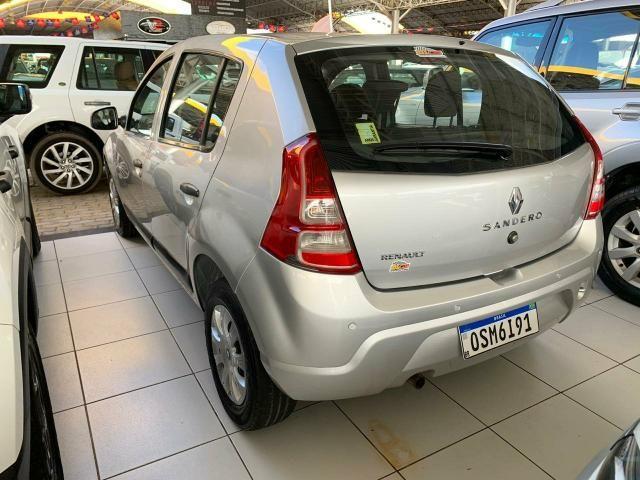 Sandero expression 1.0 2013 carro impecável