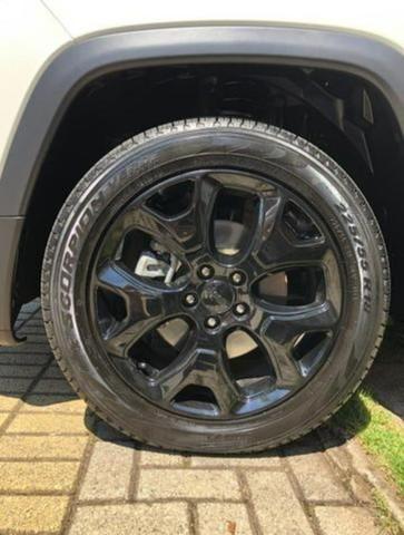 Vendo Jeep Longitude - Foto 2