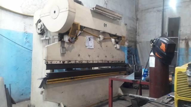 Maquina de corte e dobra de chapa as duas por 88.000