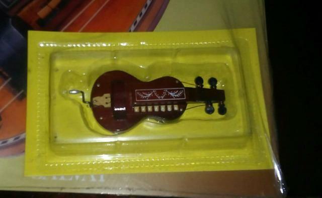 Antigo Fascículo de Instrumentos Musicais - Foto 2
