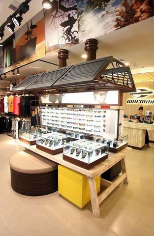 2752ba807adbc Expositor de Oculos e Produtos Mormaii - Equipamentos e mobiliário ...