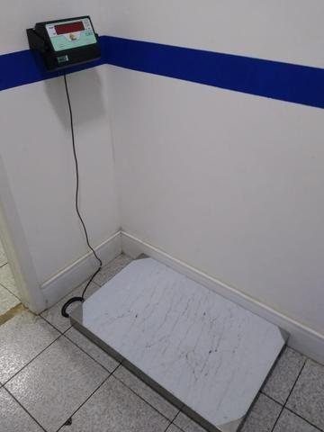 Balança Eletrônica Móvel (200 kg)