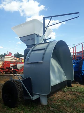 Embutidora/embolsadora de grãos secos em silo bag