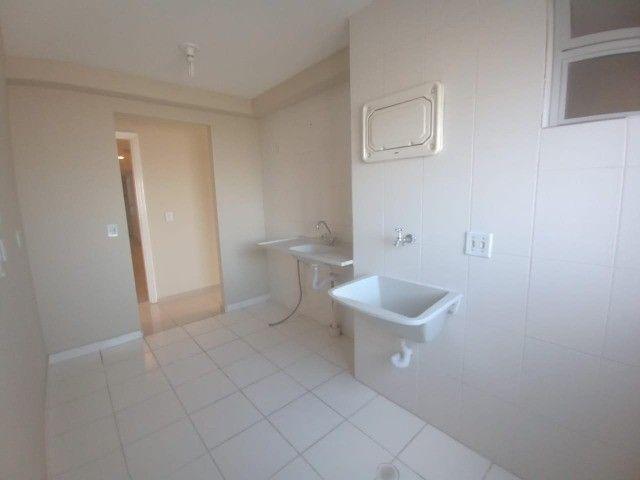 Alugo Apartamento 3 dormitórios, infraestrutura de clube, elevador - Foto 7