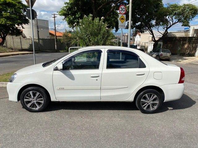 etios 1.5 x sedan - Foto 6