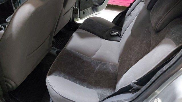 Fiat Palio 2008 ELX  1.4 fkrx completo. - Foto 8