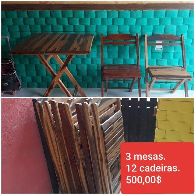 3 mesas e cadeiras dobráveis