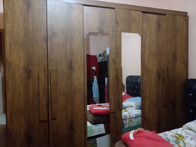 Armário guarda roupa grande  - Foto 2