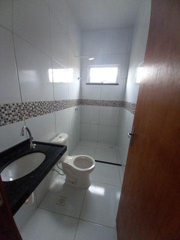 DP casa nova com 2 quartos 2 banheiros com sala 2 ambientes e garagem - Foto 8