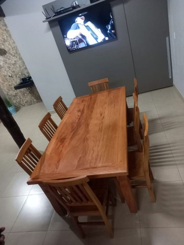 Jogo de mesa com 8 cadeiras.  - Foto 3