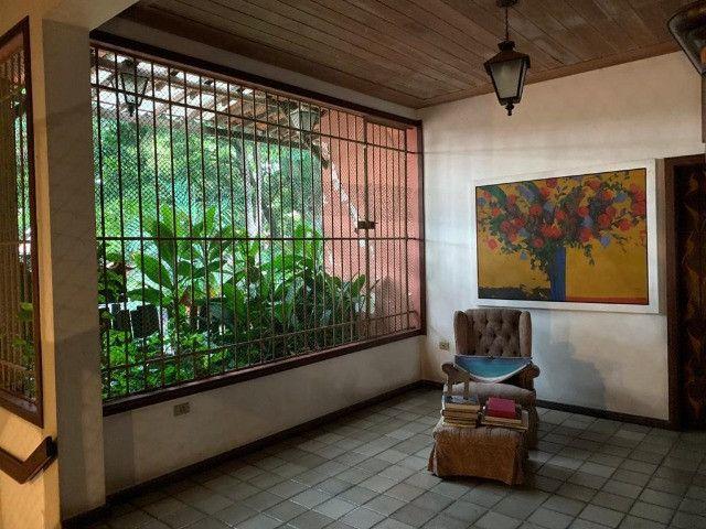 1803 - Casa Localizada em Apipucos - 05Qtos/05Suítes - Piscina - DCE - Foto 17