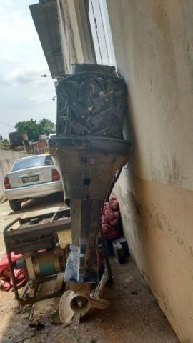 Motor de lancha e gerador de luz a gasolina