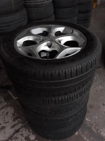 Jogo de rodas com jogo de pneus ARO 15