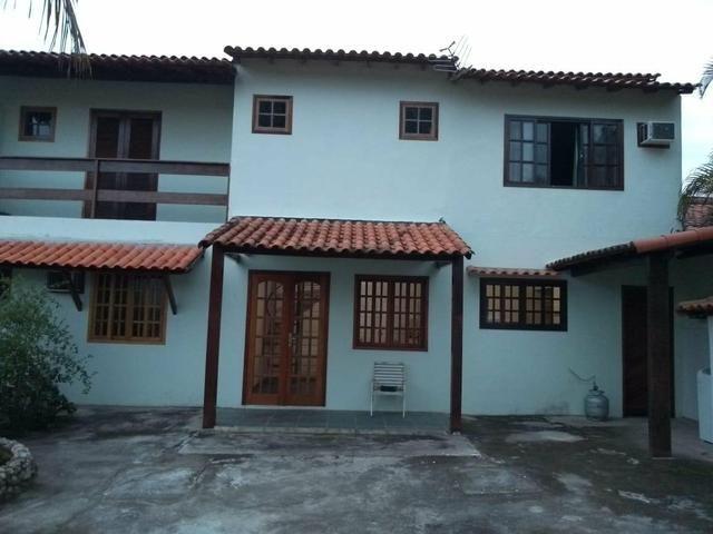 Casa com quintal, espaço gourmet com churrasqueira, piscina, espaço fitness, laguinho, etc - Foto 2