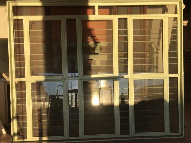 Vendo portas e janelas