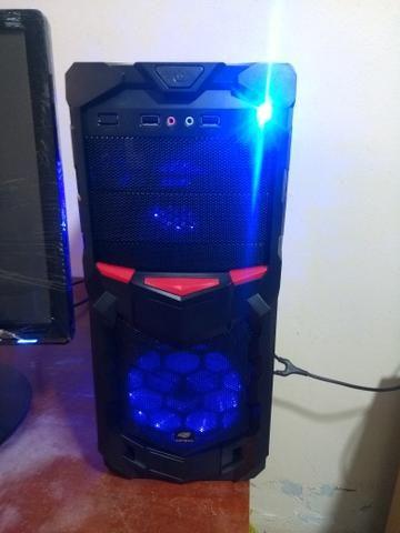 PC gamer i7 FORTNITE monitor full HD