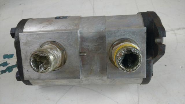 Bomba hidráulica dupla Mini retroescavadeira JCB 1CX, p/n 20/208800 - Foto 2