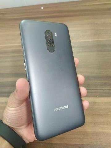 Xiaomi Pocophone F1 64GB preto (acompanham2 capinhas) - Foto 2