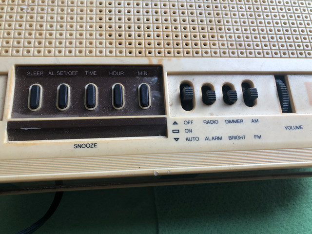 Rádio e telefone relíquia - Foto 5