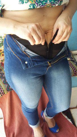 Calça Jeans Chapa barriga - Foto 2