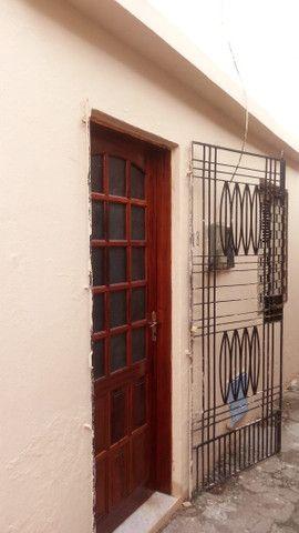 Alugo Casa de Vila em Parque Araxá - Foto 2