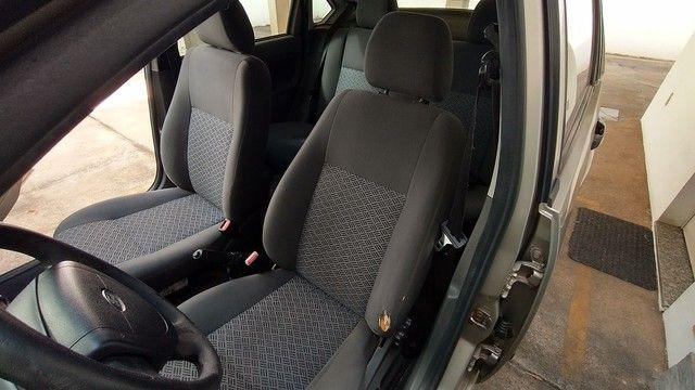 Ford Fiesta 1.6 2006  - Foto 2