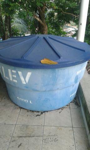 Caixa d'agua de 1000 litros
