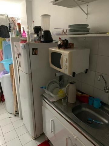 Apartamento mobiliado e decorado com excelente localização - Foto 5