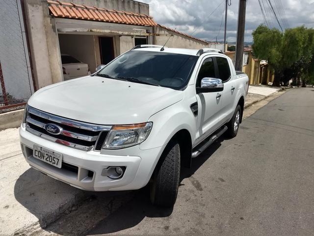 Vendo Ford Ranger Limited 3.2 5 cilindros 200 CV - Foto 2
