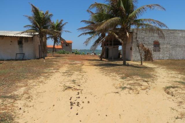 Casa mais Galpão em frete ao mar - Foto 4