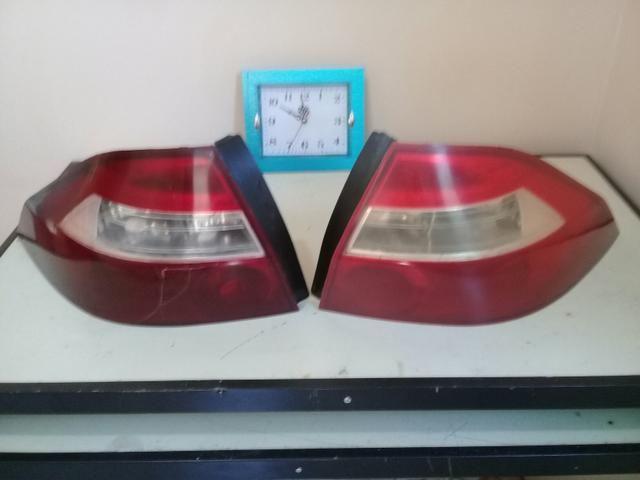 Lanternas traseiras do Prisma 2010
